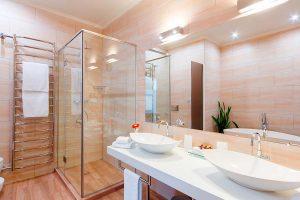 Installation de salle de bain avec Plombier Saint-Eustache, QC