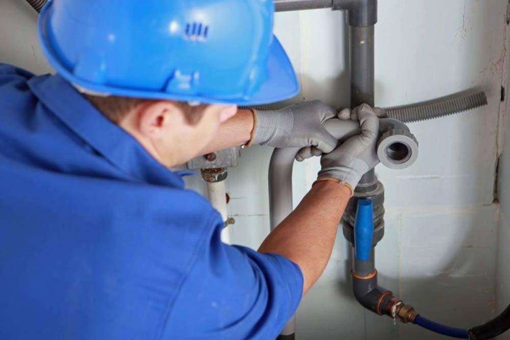 Maintenance des tuyauteries à Plombier Saint-Eustache, QC